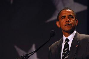 800px-Barack_Obama_addresses_LULAC_7-8-08